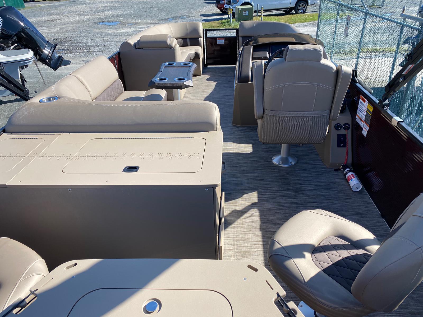 2020 Bennington boat for sale, model of the boat is 22 GSAPG - Dual Stern Gates Pontoon & Image # 4 of 14