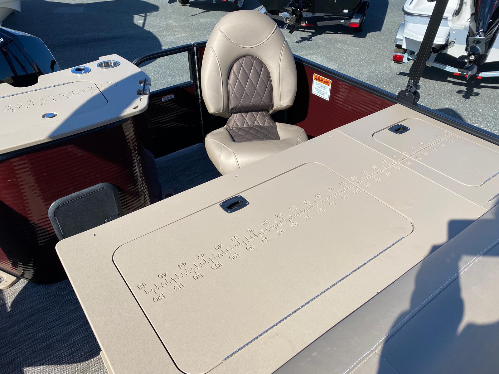 2020 Bennington boat for sale, model of the boat is 22 GSAPG - Dual Stern Gates Pontoon & Image # 5 of 14