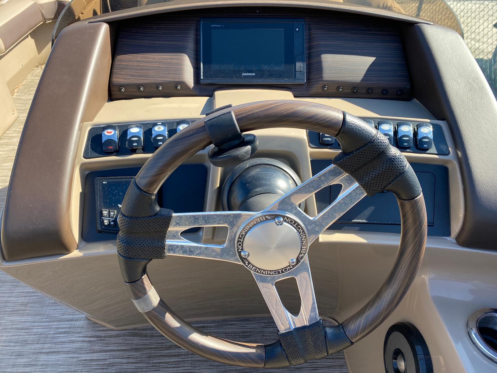 2020 Bennington boat for sale, model of the boat is 22 GSAPG - Dual Stern Gates Pontoon & Image # 7 of 14