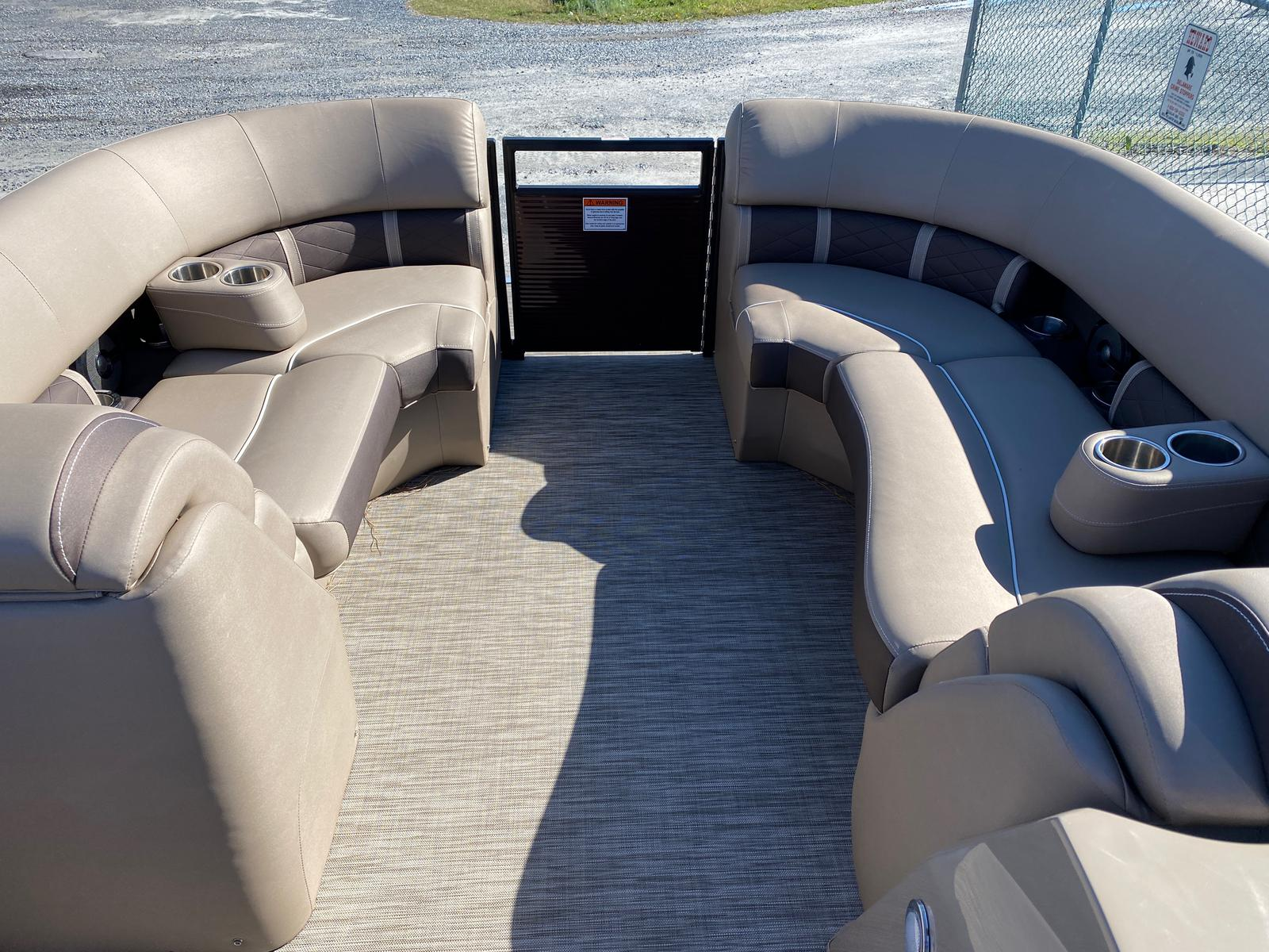 2020 Bennington boat for sale, model of the boat is 22 GSAPG - Dual Stern Gates Pontoon & Image # 8 of 14