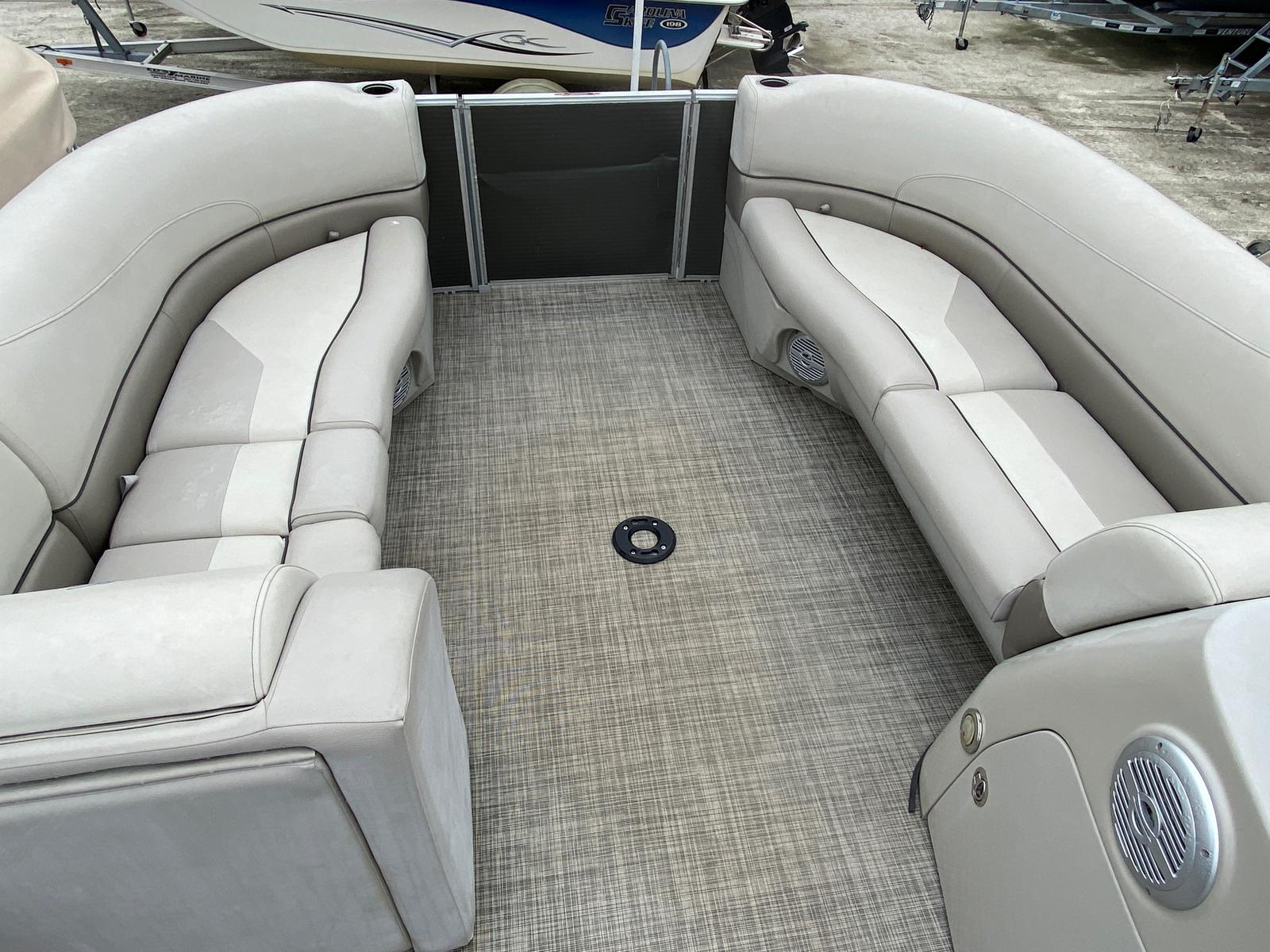 2017 Cypress Cay boat for sale, model of the boat is Seabreeze 232 & Image # 9 of 11