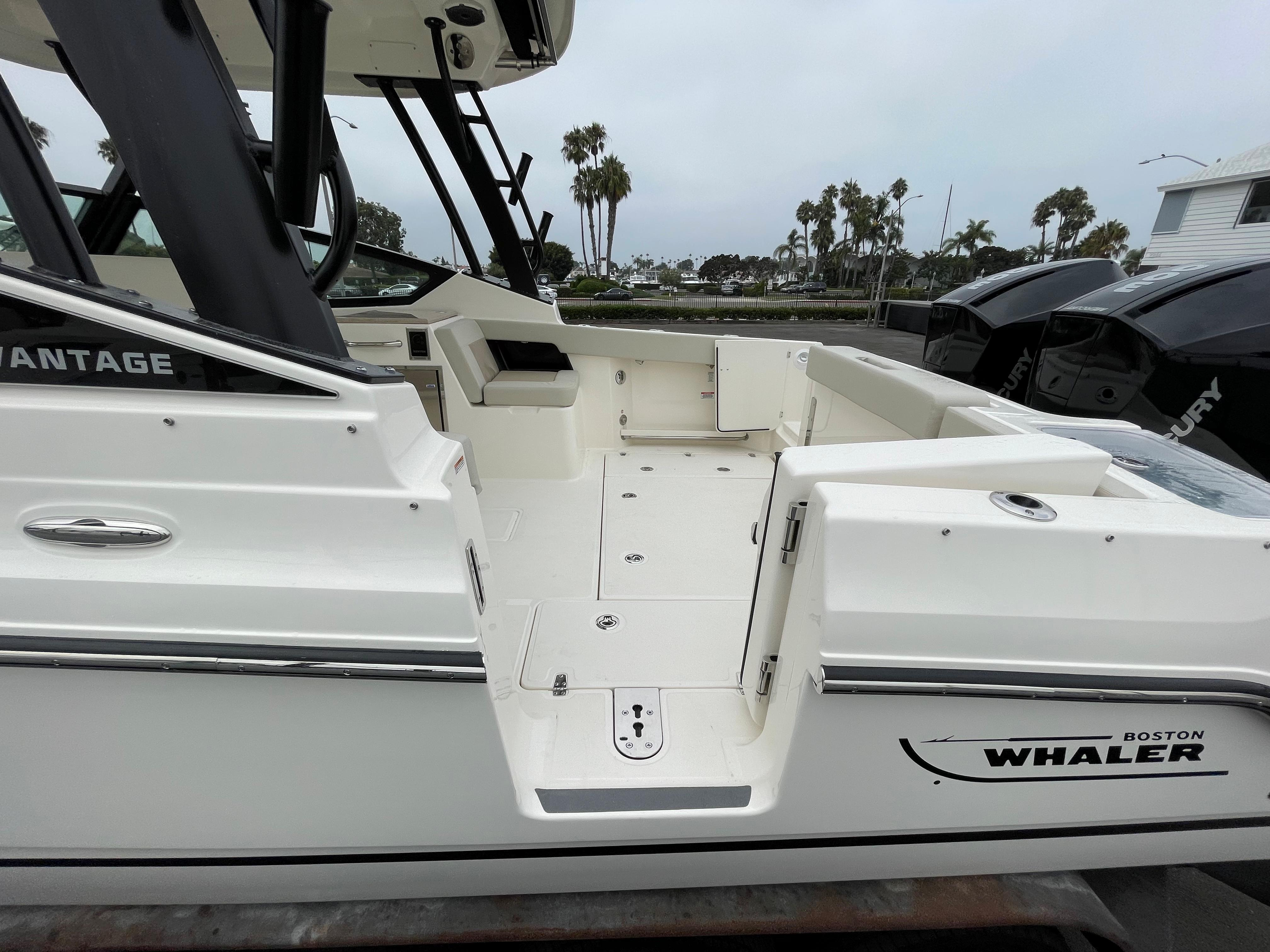2021 Boston Whaler 280 Vantage #BW0475G inventory image at Sun Country Coastal in Newport Beach
