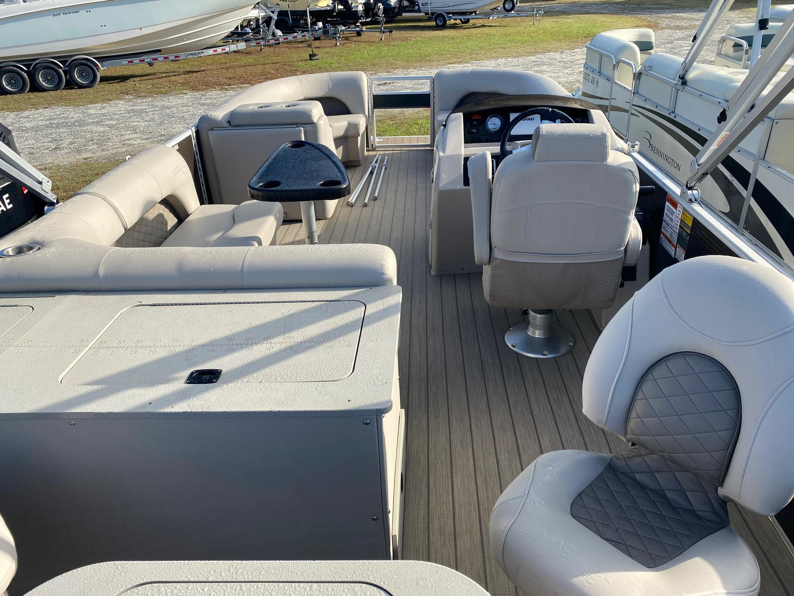 2018 Bennington boat for sale, model of the boat is 22 SSX Pontoon & Image # 4 of 13