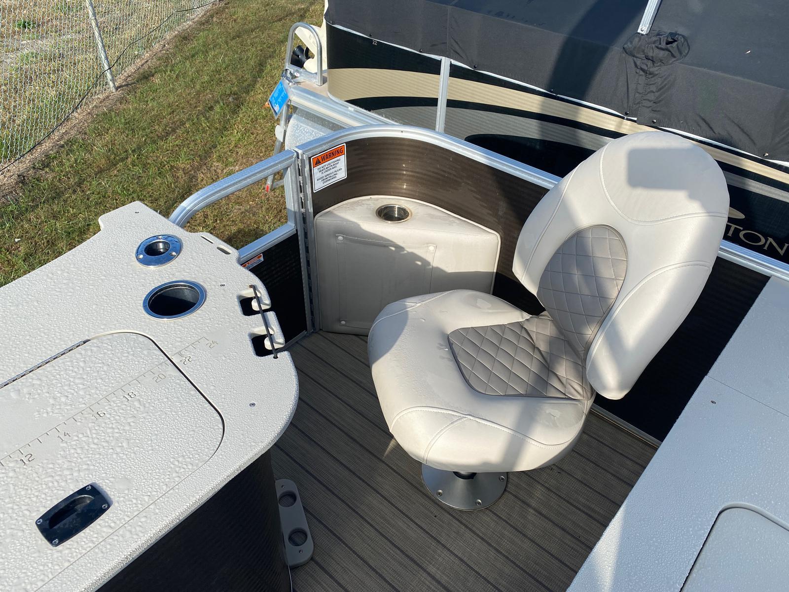 2018 Bennington boat for sale, model of the boat is 22 SSX Pontoon & Image # 11 of 13