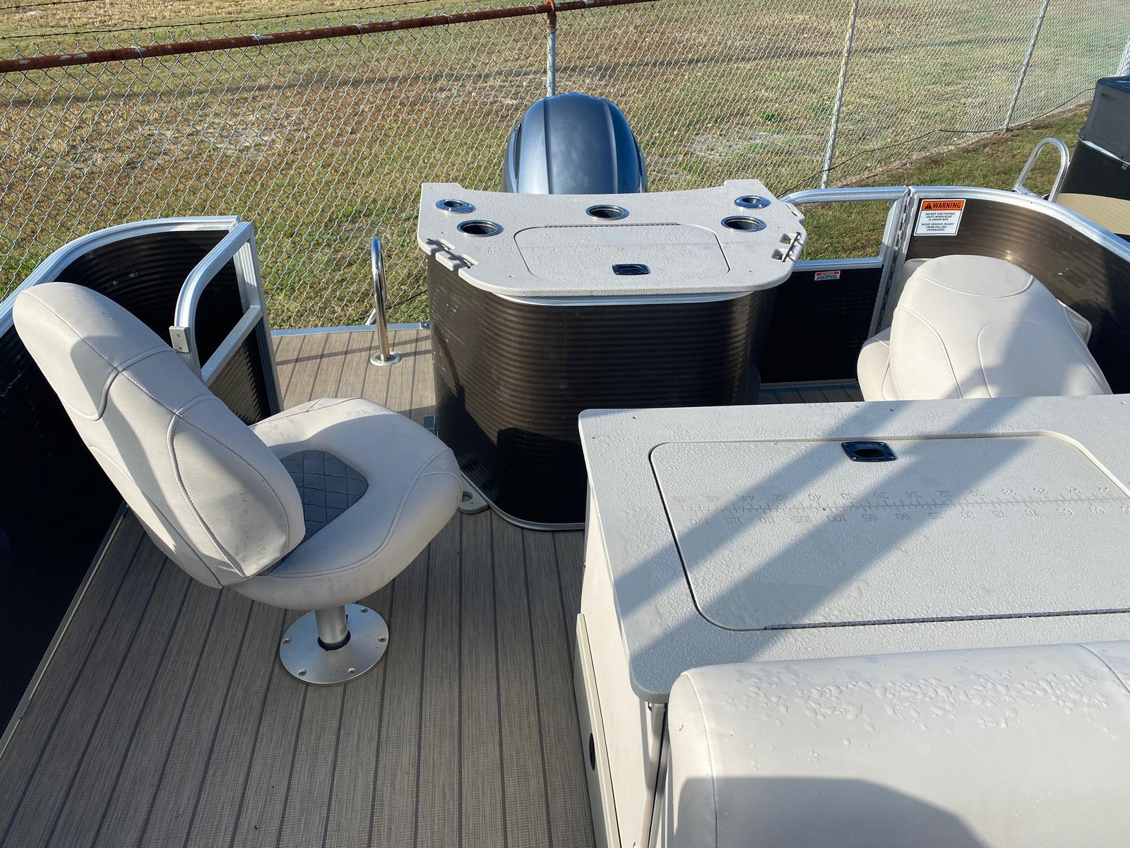 2018 Bennington boat for sale, model of the boat is 22 SSX Pontoon & Image # 12 of 13