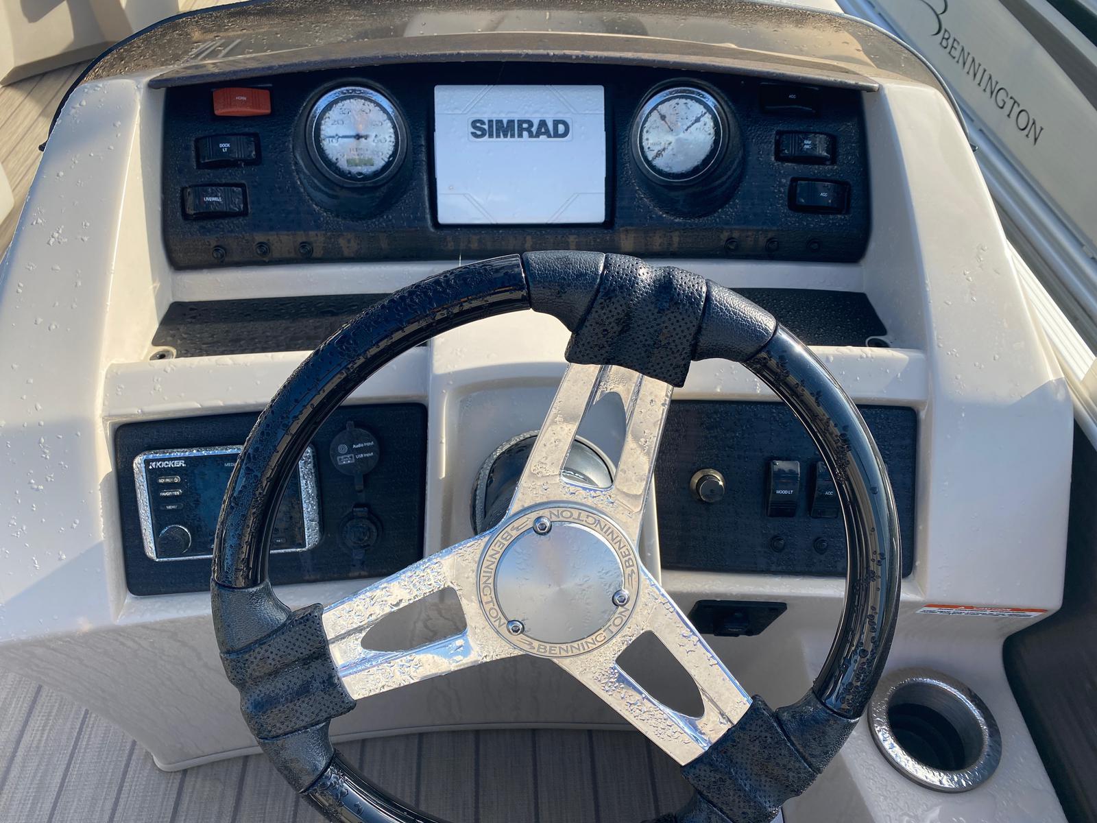 2018 Bennington boat for sale, model of the boat is 22 SSX Pontoon & Image # 6 of 13