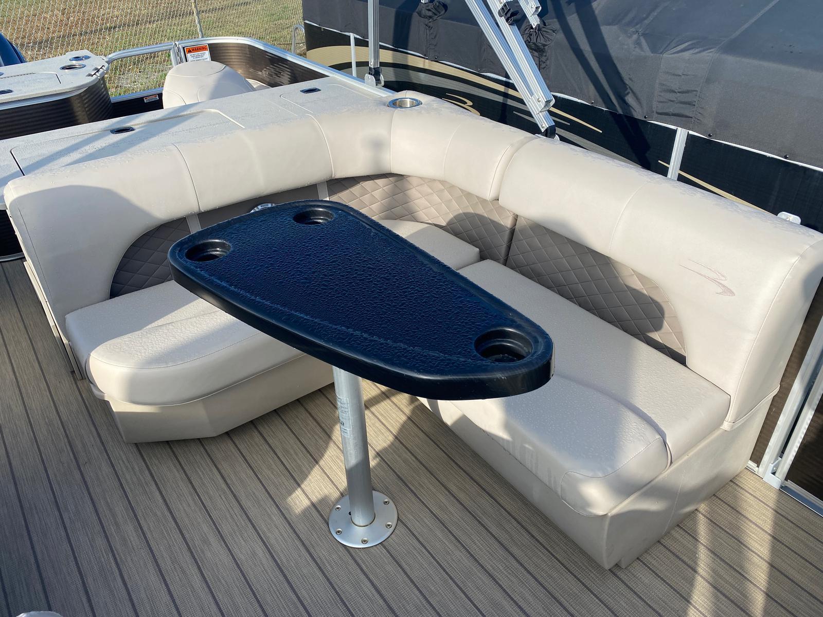 2018 Bennington boat for sale, model of the boat is 22 SSX Pontoon & Image # 7 of 13