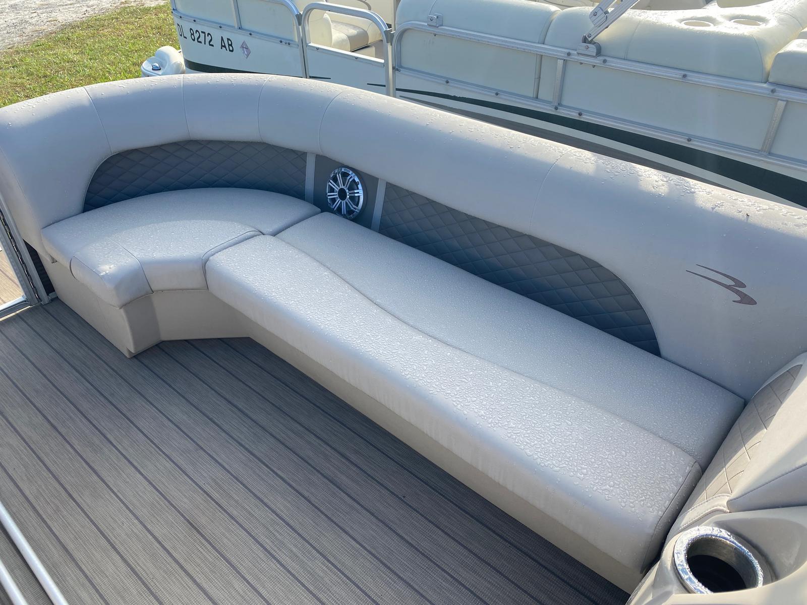 2018 Bennington boat for sale, model of the boat is 22 SSX Pontoon & Image # 9 of 13