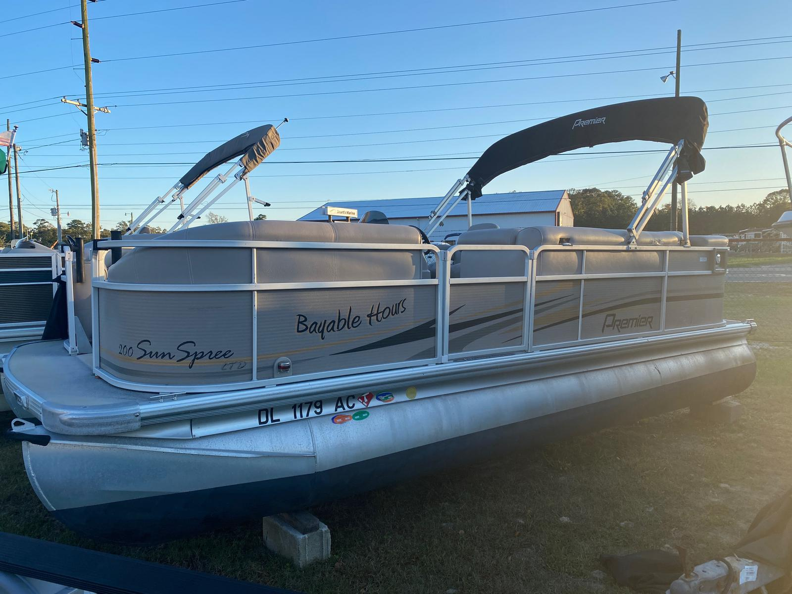 2009 Premier Pontoons boat for sale, model of the boat is Sunspree 200 Pontoon & Image # 1 of 13