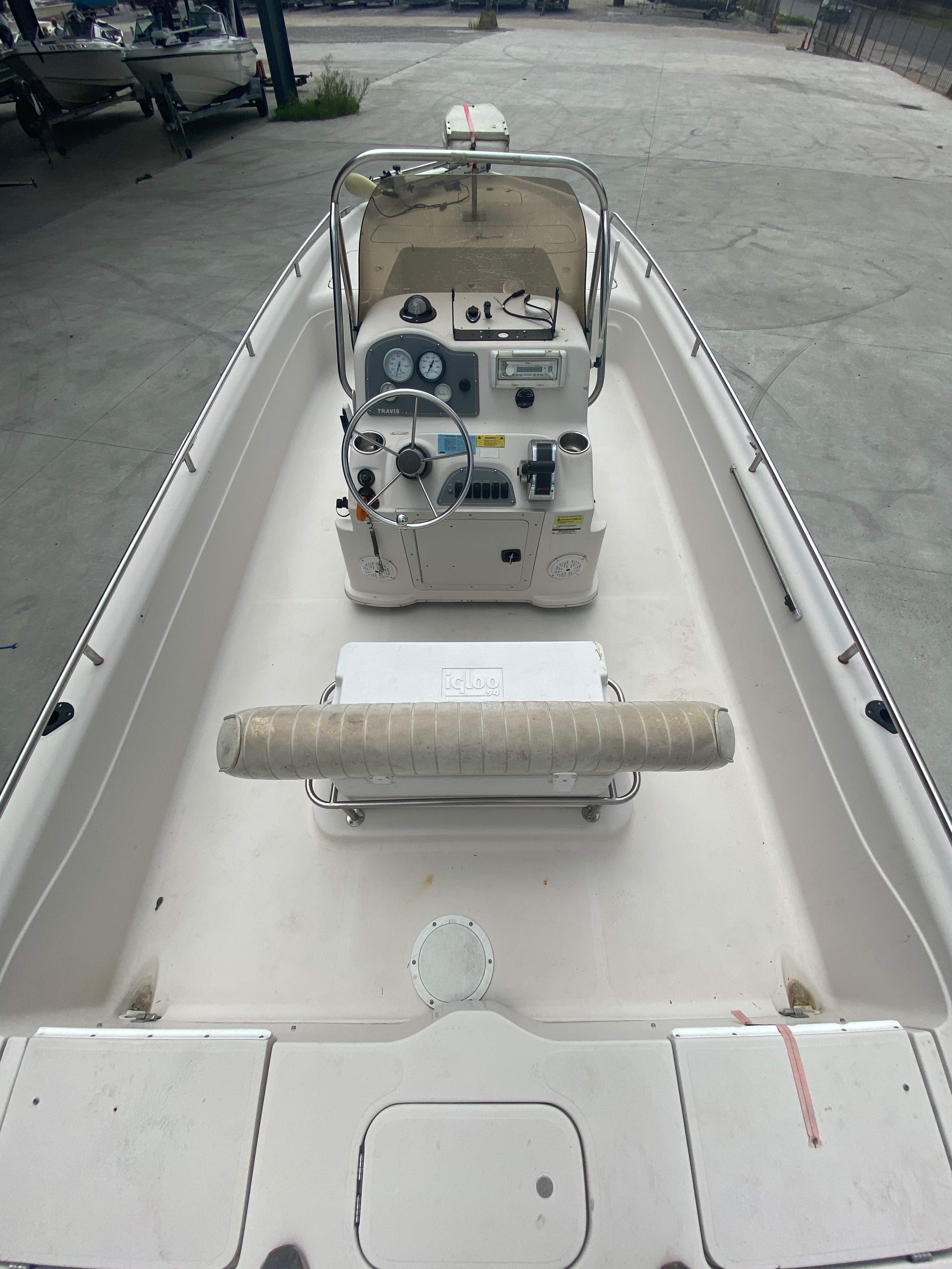 2001 Fish Master boat for sale, model of the boat is 23cc Travis Edition & Image # 2 of 11