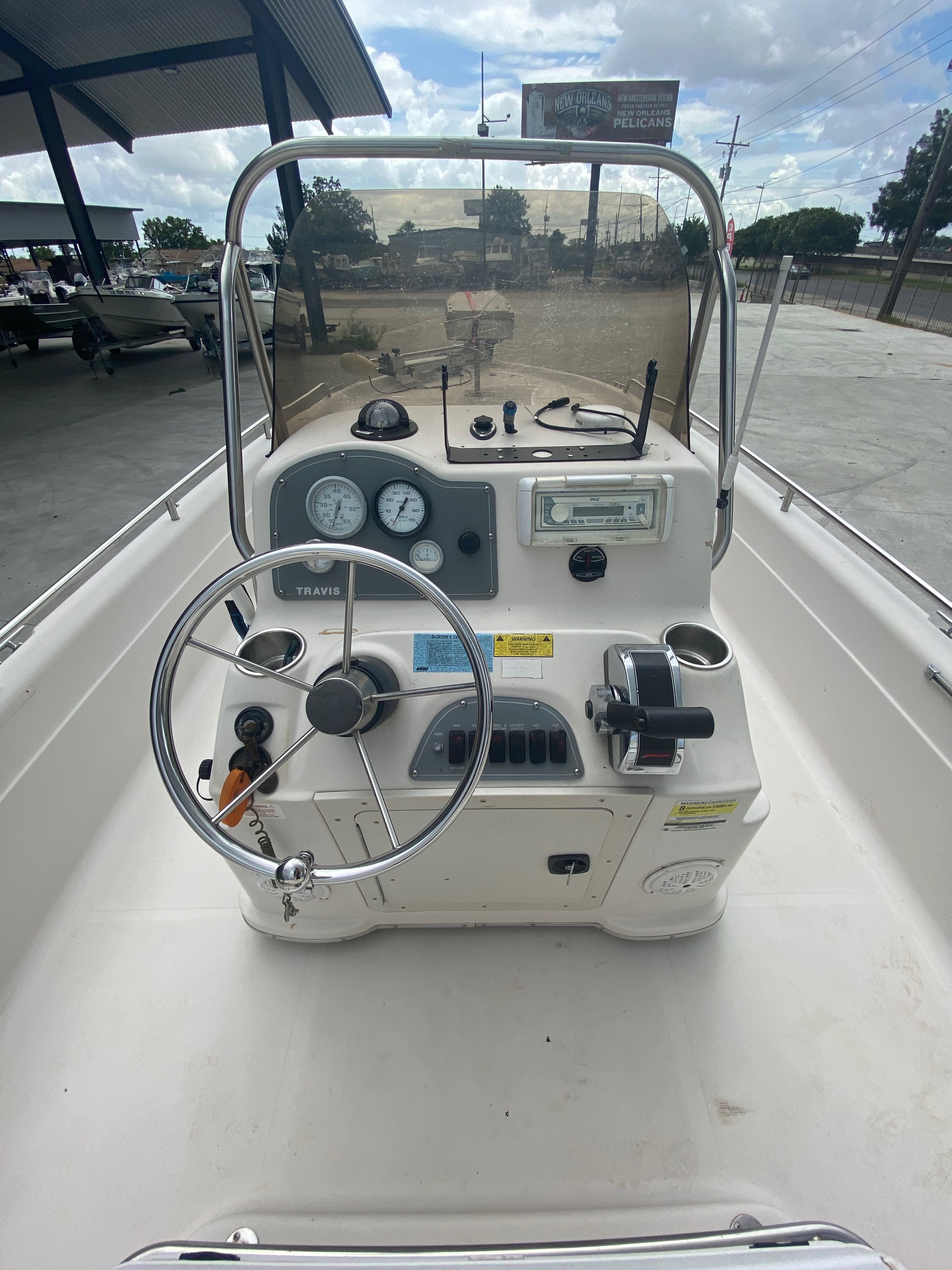 2001 Fish Master boat for sale, model of the boat is 23cc Travis Edition & Image # 3 of 11