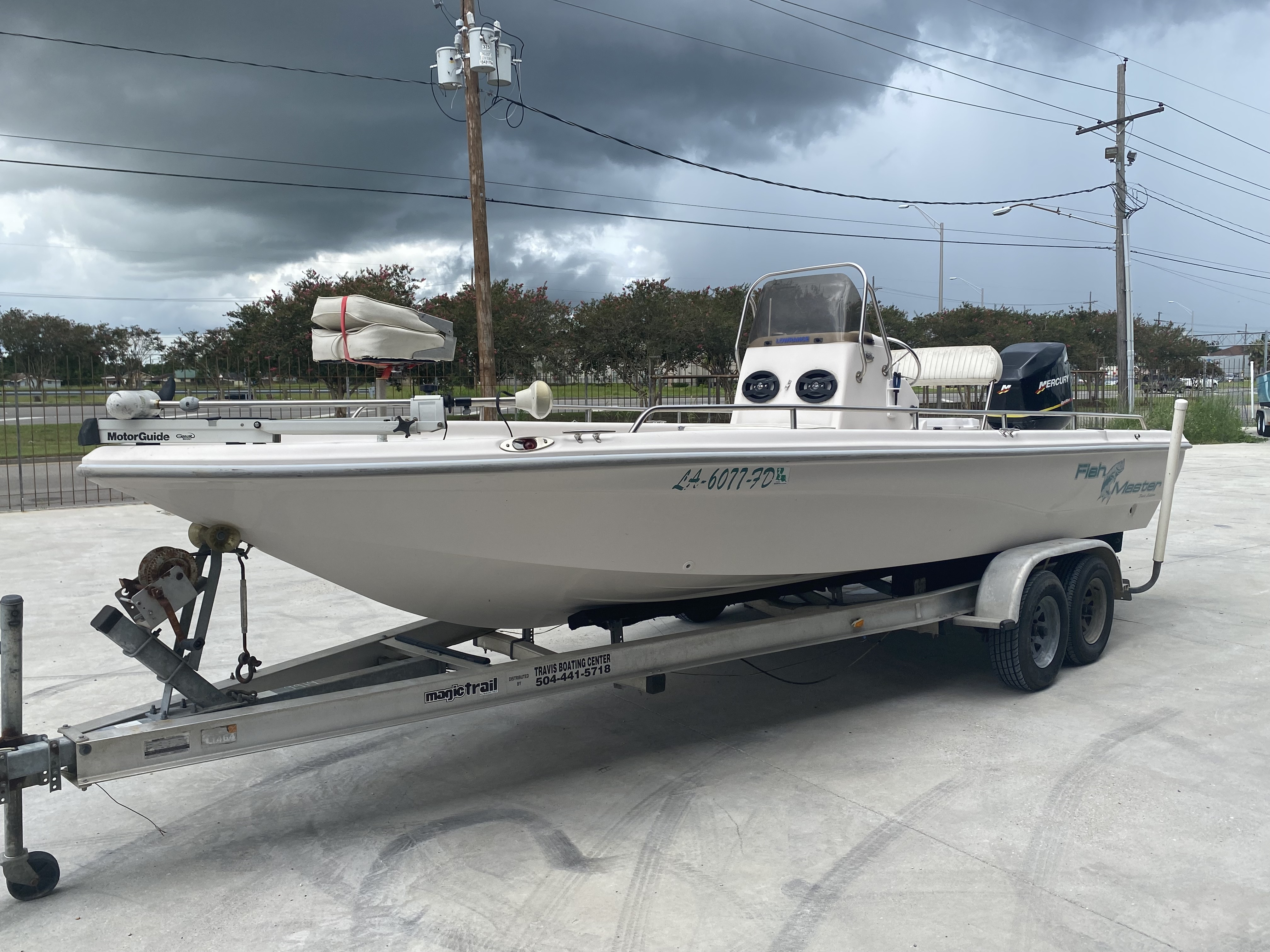 2001 Fish Master boat for sale, model of the boat is 23cc Travis Edition & Image # 4 of 11