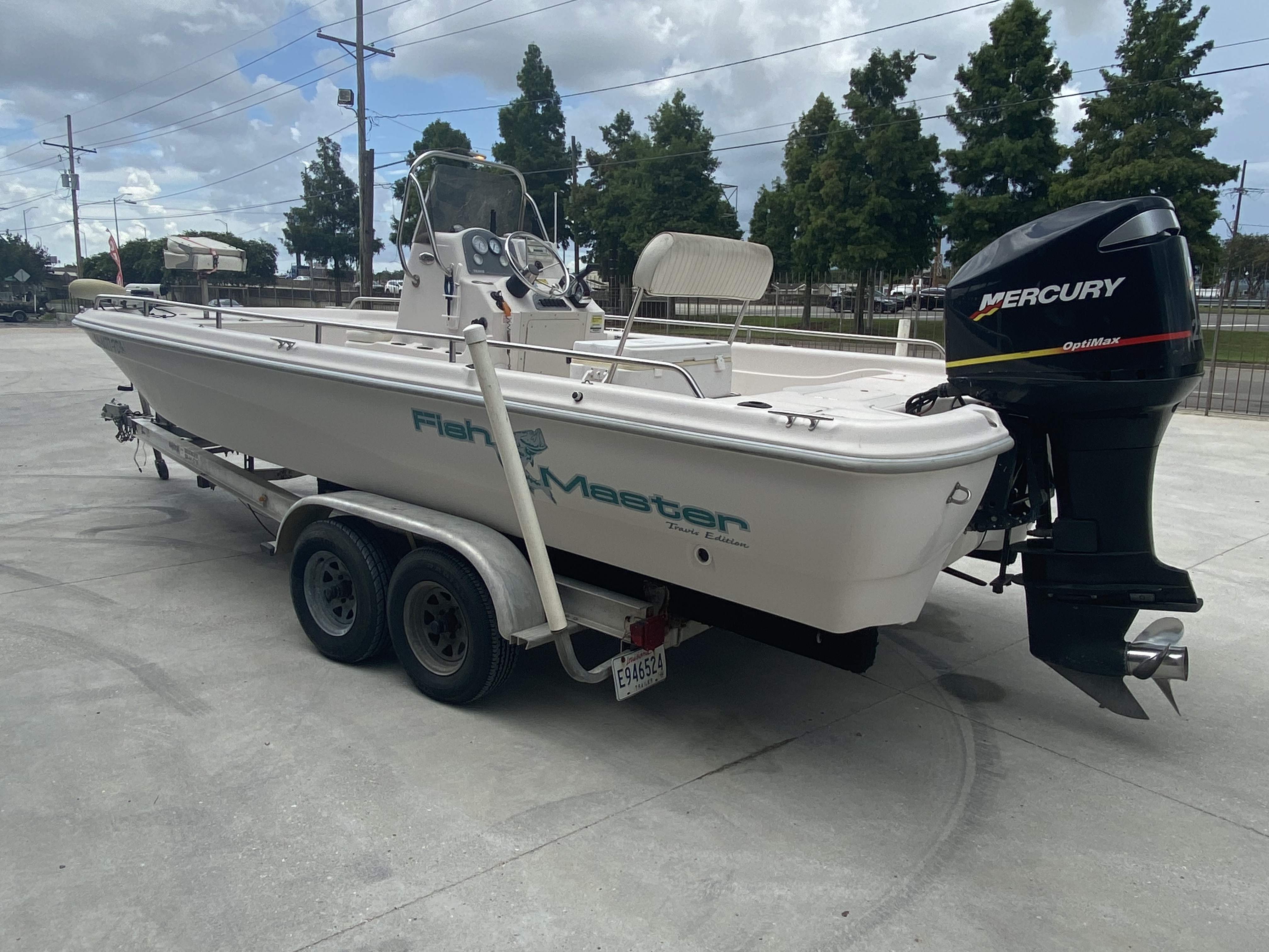 2001 Fish Master boat for sale, model of the boat is 23cc Travis Edition & Image # 5 of 11