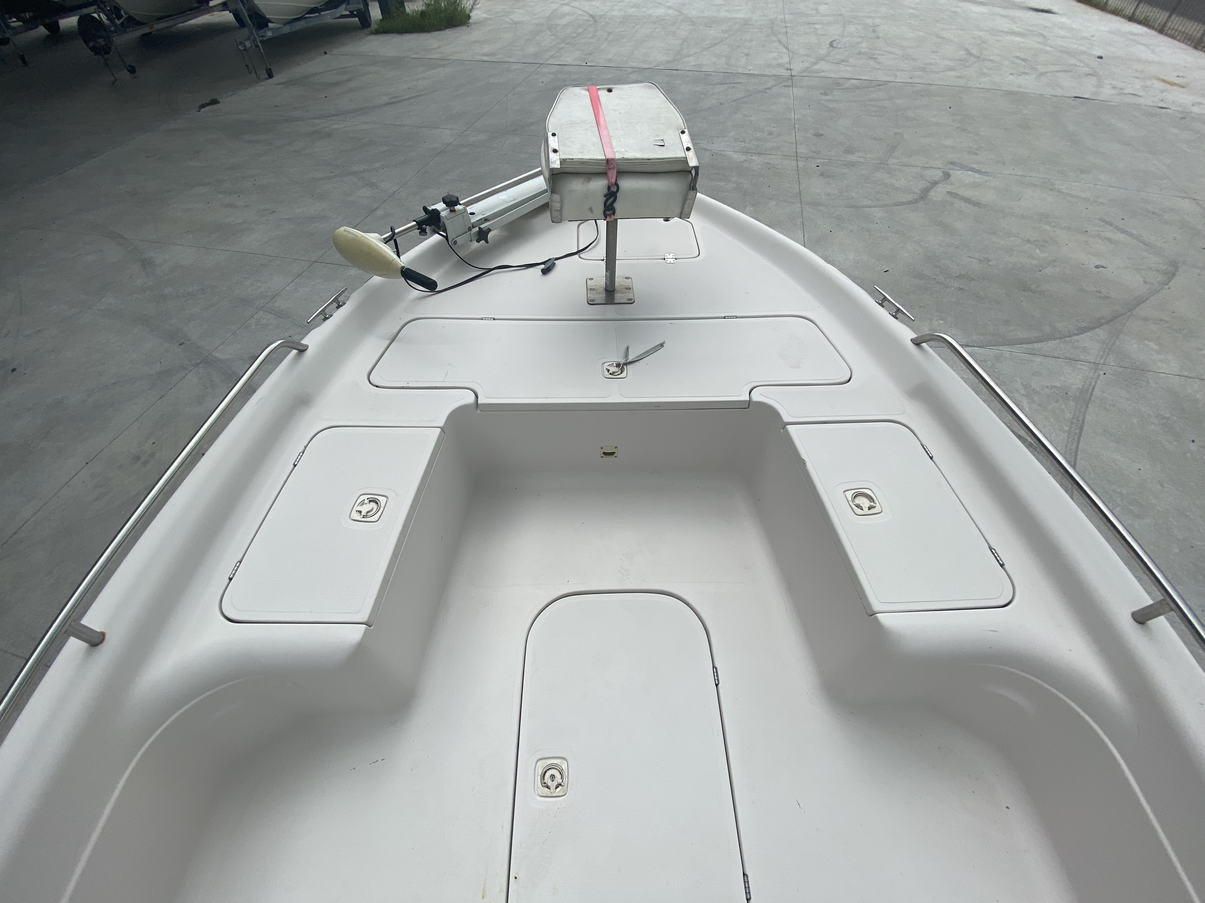 2001 Fish Master boat for sale, model of the boat is 23cc Travis Edition & Image # 6 of 11