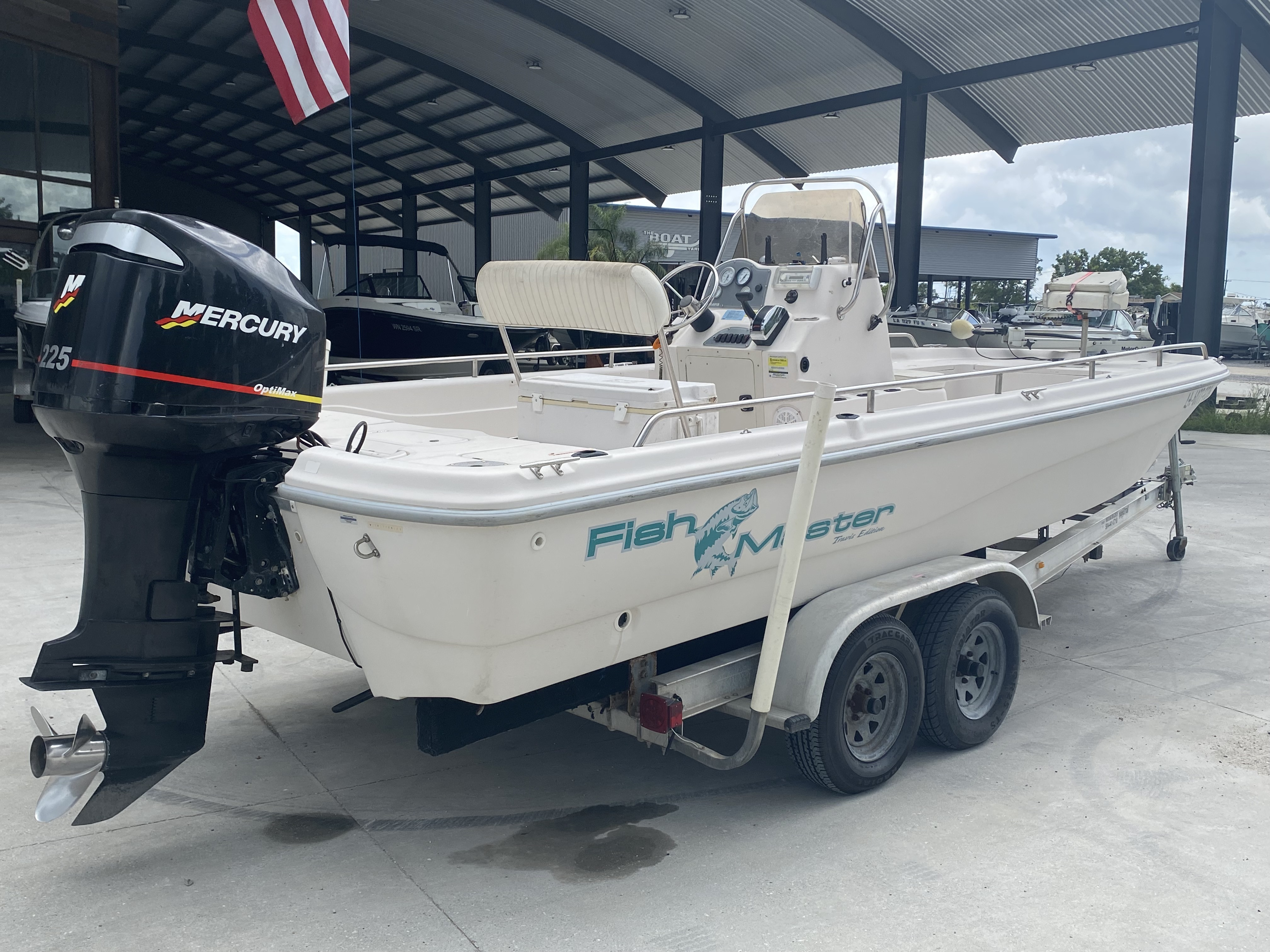2001 Fish Master boat for sale, model of the boat is 23cc Travis Edition & Image # 7 of 11