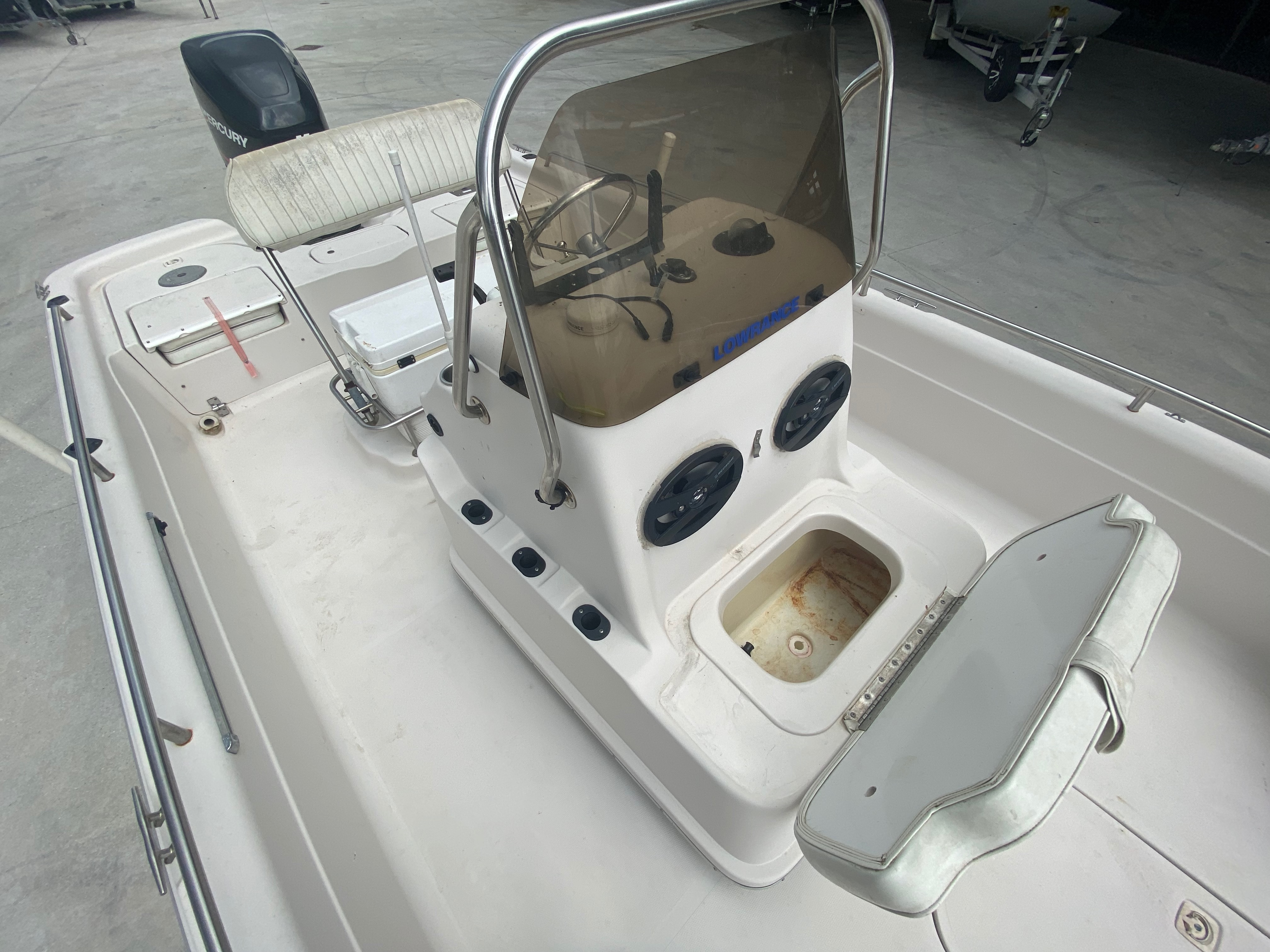 2001 Fish Master boat for sale, model of the boat is 23cc Travis Edition & Image # 11 of 11