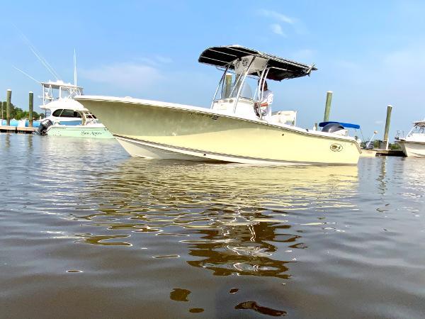 2017 Sea Hunt Triton 210