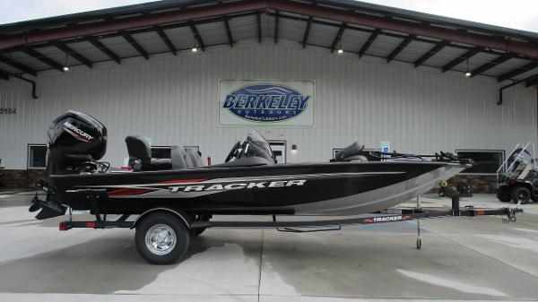 2021 Tracker Boats boat for sale, model of the boat is Pro Team 175 TXW & Image # 3 of 45