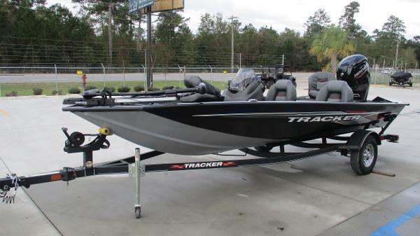 2021 Tracker Boats boat for sale, model of the boat is Pro Team 175 TXW & Image # 2 of 45