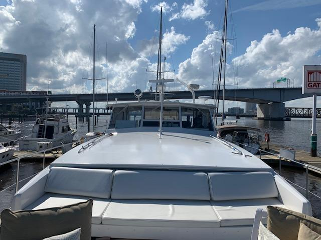 F 5960 BB Knot 10 Yacht Sales