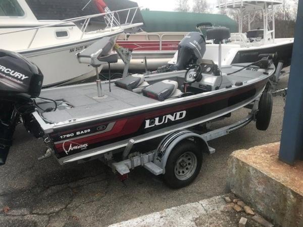 1996 Lund boat for sale, model of the boat is 1790 BASS & Image # 11 of 13