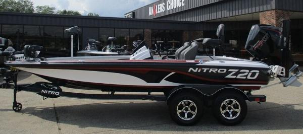 2021 Nitro boat for sale, model of the boat is Z20 Pro & Image # 1 of 9