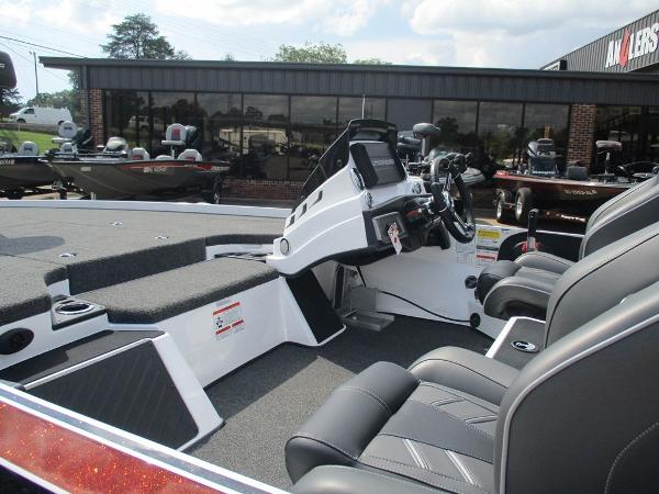 2021 Nitro boat for sale, model of the boat is Z20 Pro & Image # 6 of 9