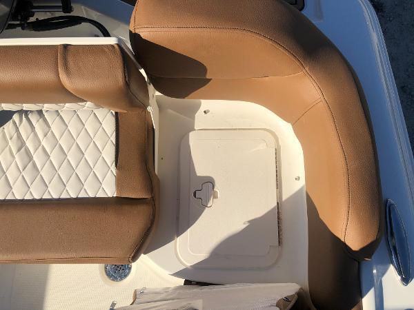 2021 Pioneer boat for sale, model of the boat is 202 Islander & Image # 26 of 28