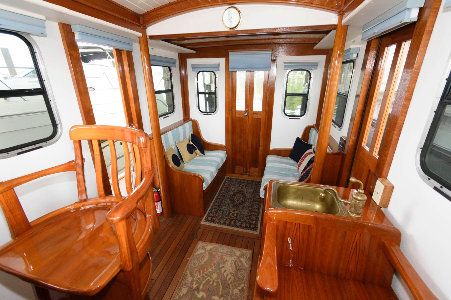 M 6467 JB Knot 10 Yacht Sales
