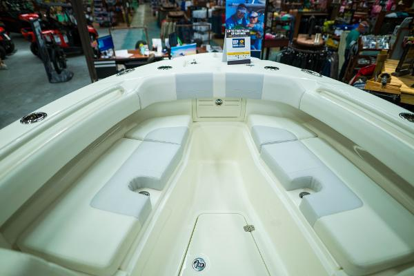 2020 Mako boat for sale, model of the boat is 236 CC & Image # 33 of 39