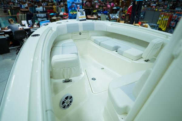 2020 Mako boat for sale, model of the boat is 236 CC & Image # 32 of 39