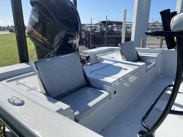 2018 Blazer boat for sale, model of the boat is 2220 Fisherman2220 Fisherman & Image # 9 of 10