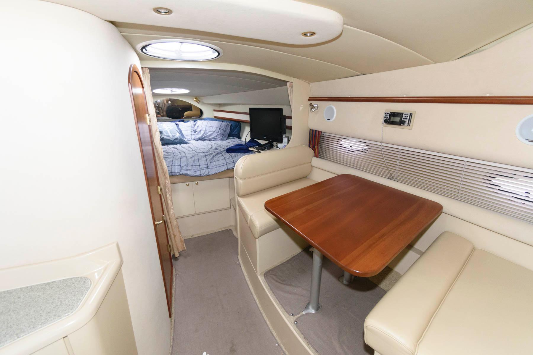 M 6474 SK Knot 10 Yacht Sales