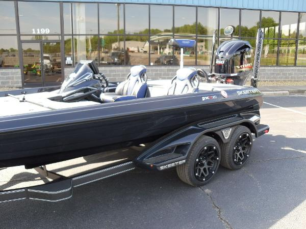 2021 Skeeter boat for sale, model of the boat is FXR21 Apex & Image # 2 of 36