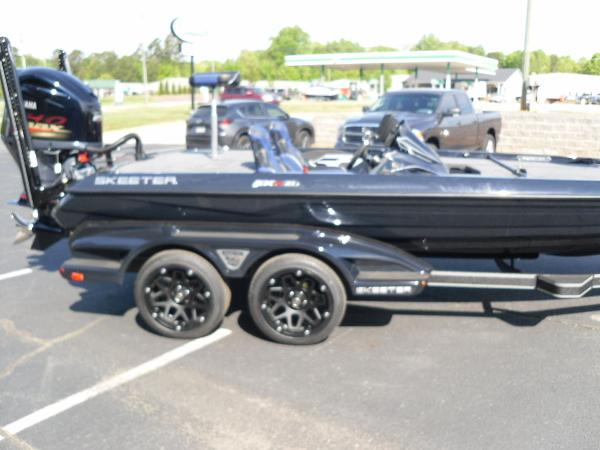 2021 Skeeter boat for sale, model of the boat is FXR21 Apex & Image # 8 of 36