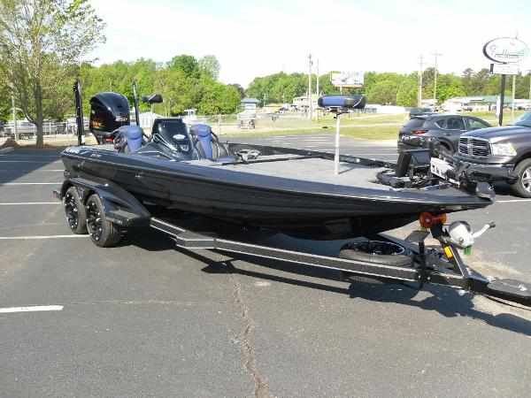 2021 Skeeter boat for sale, model of the boat is FXR21 Apex & Image # 10 of 36