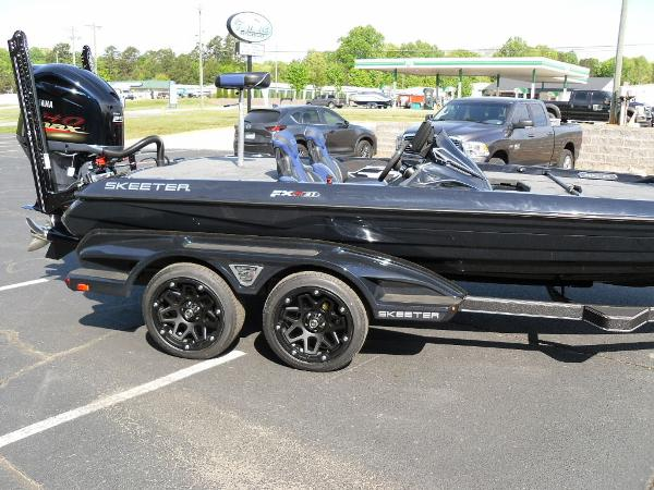 2021 Skeeter boat for sale, model of the boat is FXR21 Apex & Image # 11 of 36