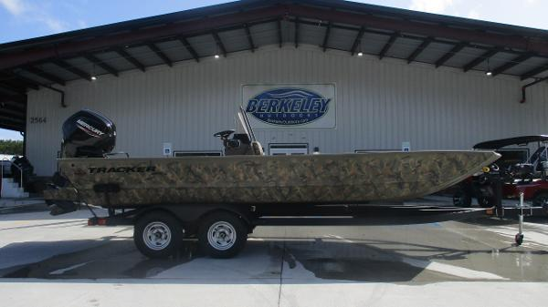 2020 Tracker Boats boat for sale, model of the boat is Grizzly 2072 CC & Image # 3 of 42