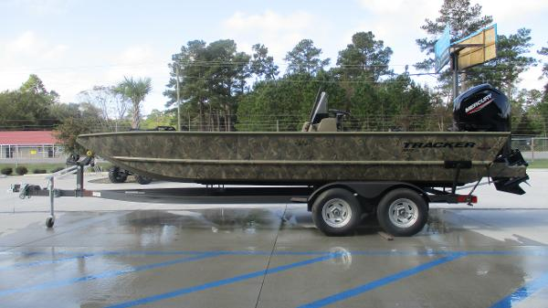 2020 Tracker Boats boat for sale, model of the boat is Grizzly 2072 CC & Image # 4 of 42