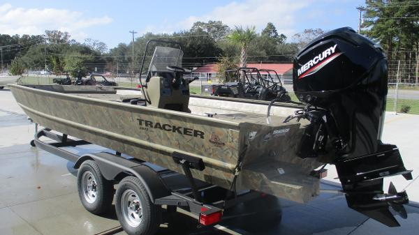 2020 Tracker Boats boat for sale, model of the boat is Grizzly 2072 CC & Image # 6 of 42