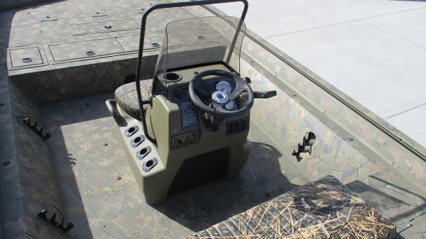 2020 Tracker Boats boat for sale, model of the boat is Grizzly 2072 CC & Image # 15 of 42