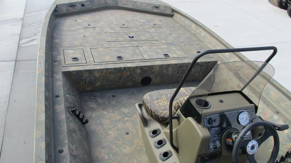 2020 Tracker Boats boat for sale, model of the boat is Grizzly 2072 CC & Image # 22 of 42