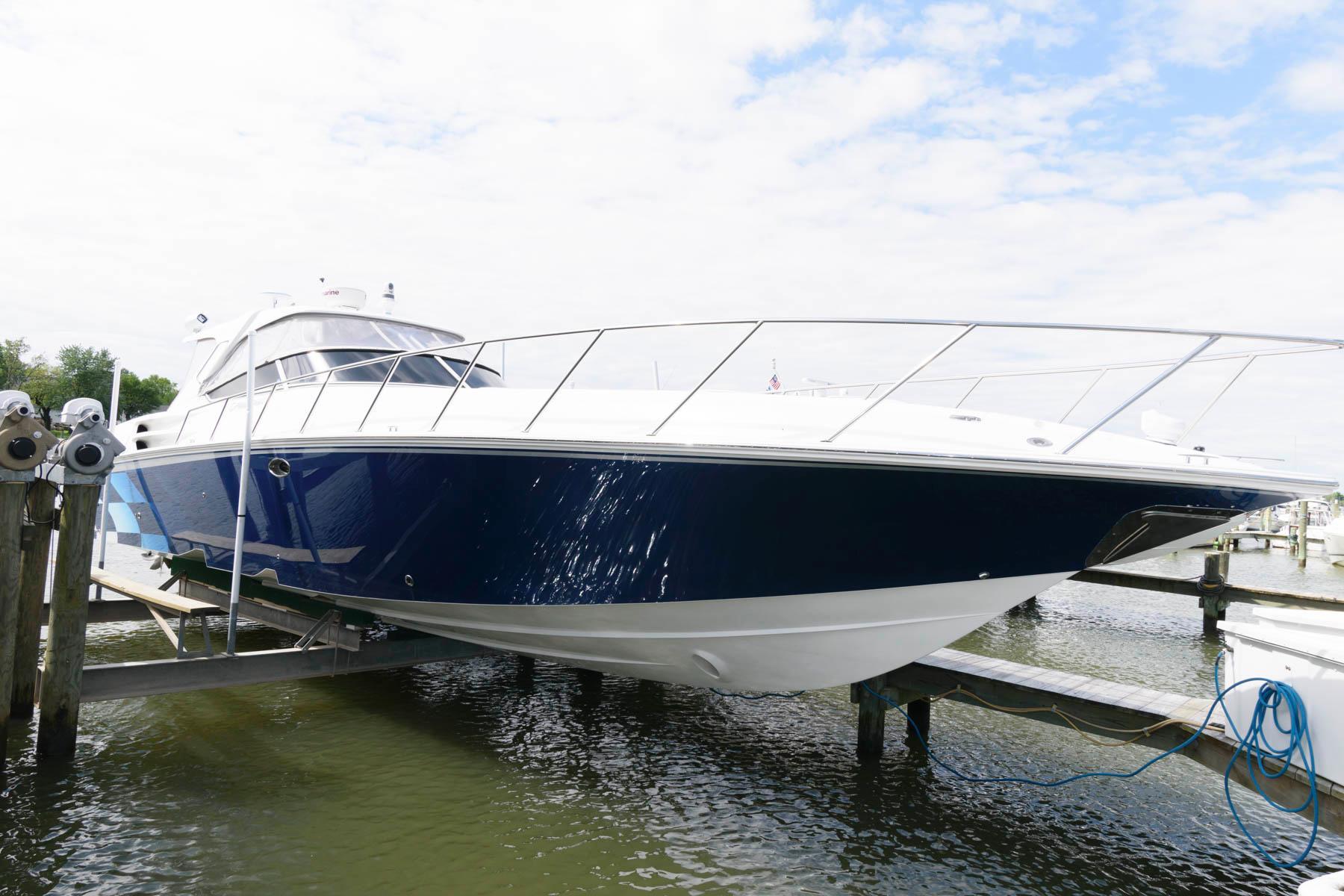 M 6125 WT Knot 10 Yacht Sales