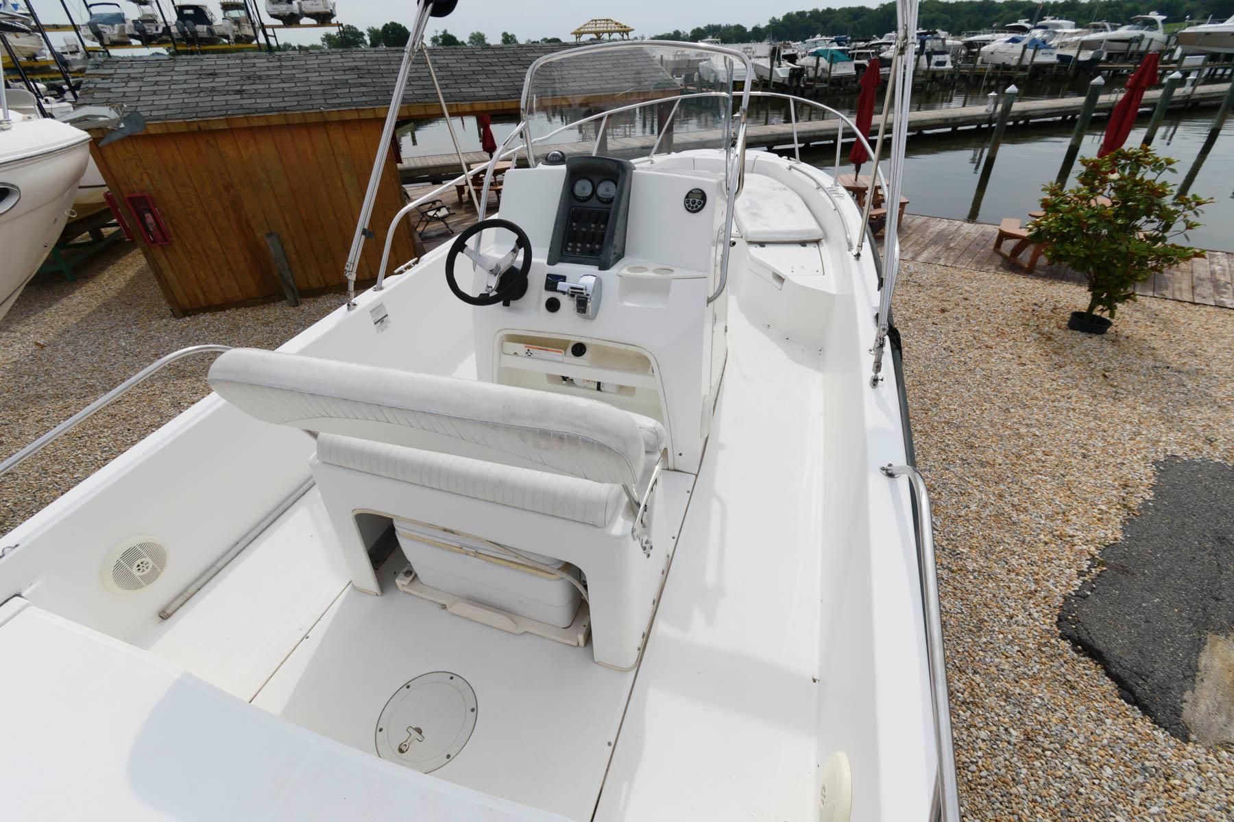 M 6170 WT Knot 10 Yacht Sales