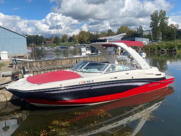 2011 Monterey M5 Sport Boat