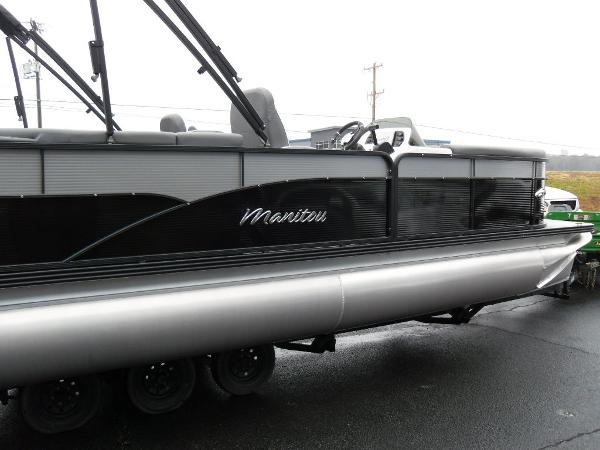 2021 Manitou boat for sale, model of the boat is RF 23 Aurora LE VP & Image # 38 of 43