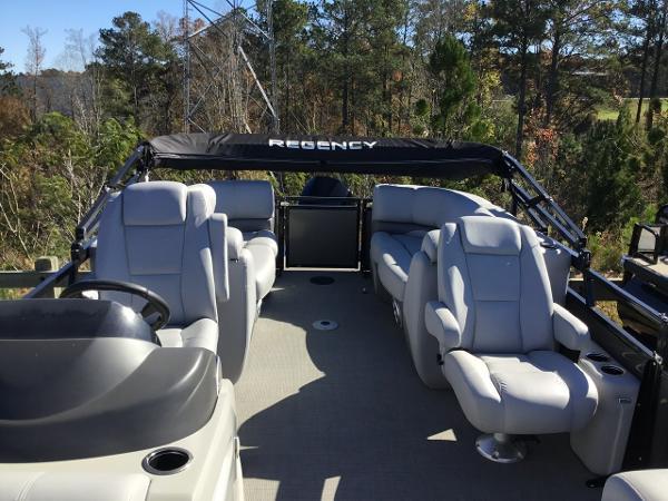 2019 Regency boat for sale, model of the boat is 230DL & Image # 4 of 9