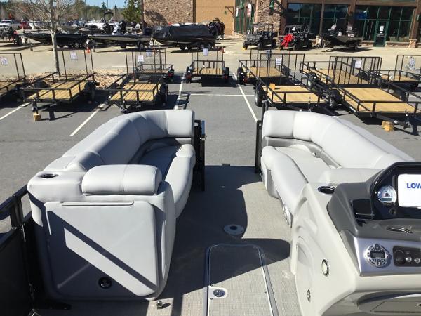 2019 Regency boat for sale, model of the boat is 230DL & Image # 7 of 9