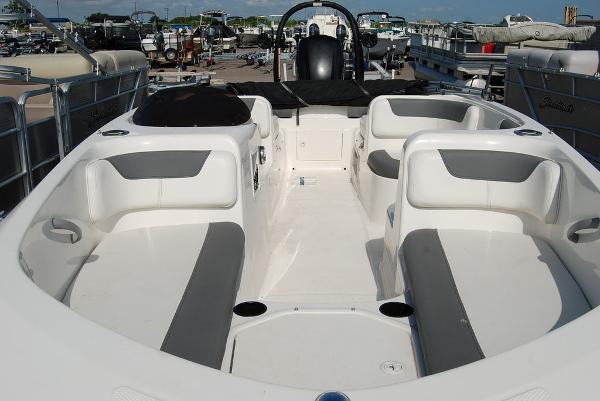 2018 Bayliner boat for sale, model of the boat is E-18 & Image # 4 of 11