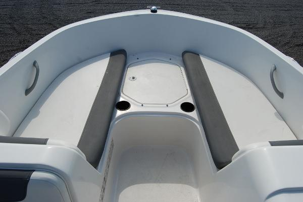 2018 Bayliner boat for sale, model of the boat is E-18 & Image # 7 of 11